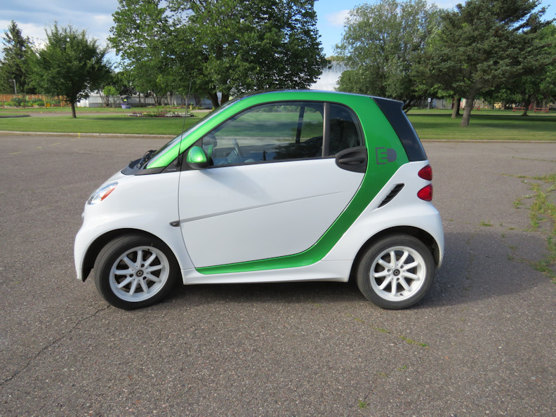 drivers side exterior small.JPG