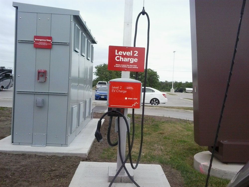 Smart electric charging station 02.jpg